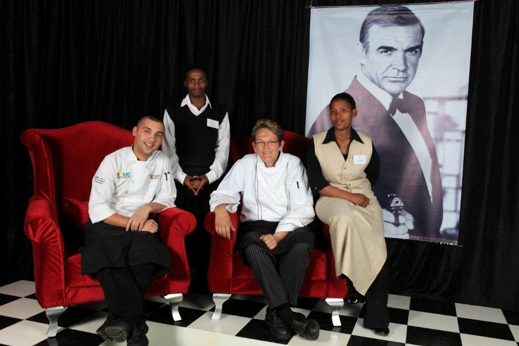 The Orchid @ Simola's Team Jacques Fourie Thabo Willie Delia Clarke en Sandy Jeketho